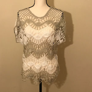 NY&CO - crocheted short sleeve blouse - M